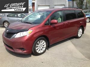 2011 Toyota Sienna LE 7 PAS,AWD,A-1,GRAND ROUTE