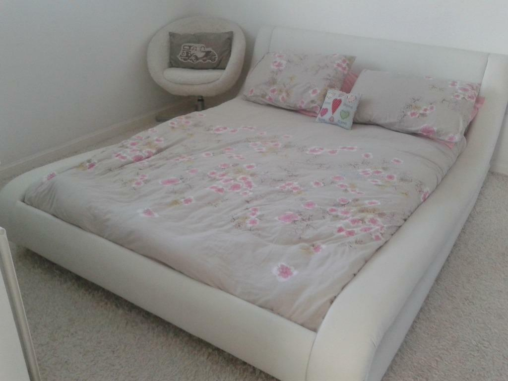 White Leather Sleigh Bed In Airdrie North Lanarkshire