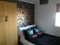 DOUBLE ROOM TO RENT - IN MODERN 2 BED APT - GAY LIVE IN LANDLORD