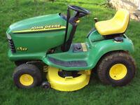 John Deere LT133 ride on mower - ride on lawnmower - sit on lawn tractor