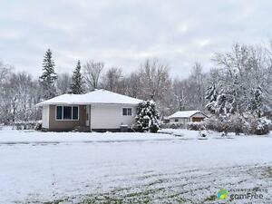 $318,600 - Acreage / Hobby Farm / Ranch in Portage La Prairie