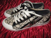 guess ladies pumps. size eur 37, black and cream, good cond