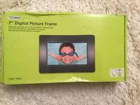 "TECHNIKA - 7"" Digital Picture Frame"