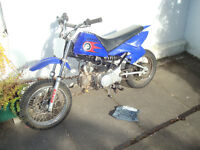 pitbike 90cc 4stroke, manual clutch, kids bike starts runs/rides need some tlc, nephew lost intrest
