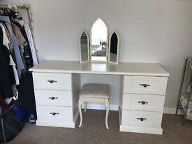 Shabby Chic Dressing Table With Stool