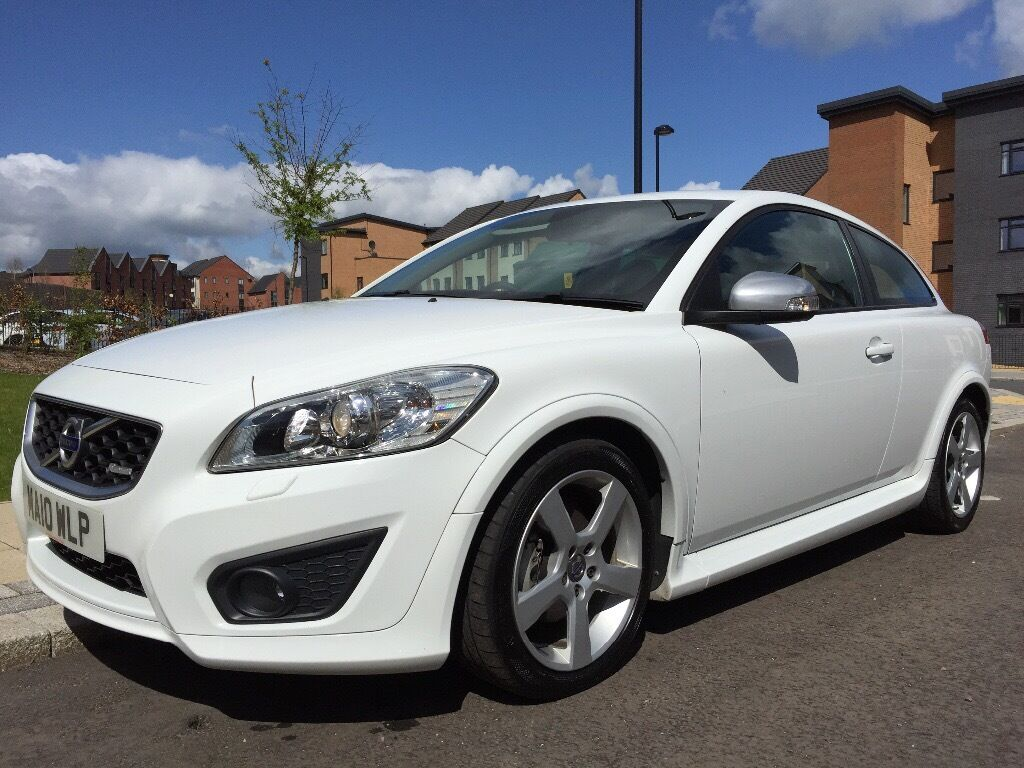 2010 volvo c30 r design 1 6 diesel white bluetooth heated seats cam belt replaced mot march. Black Bedroom Furniture Sets. Home Design Ideas