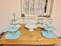4 cupcake stands & 1 cake stand £30