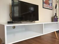 White retro TV Stand / Coffee table for sale