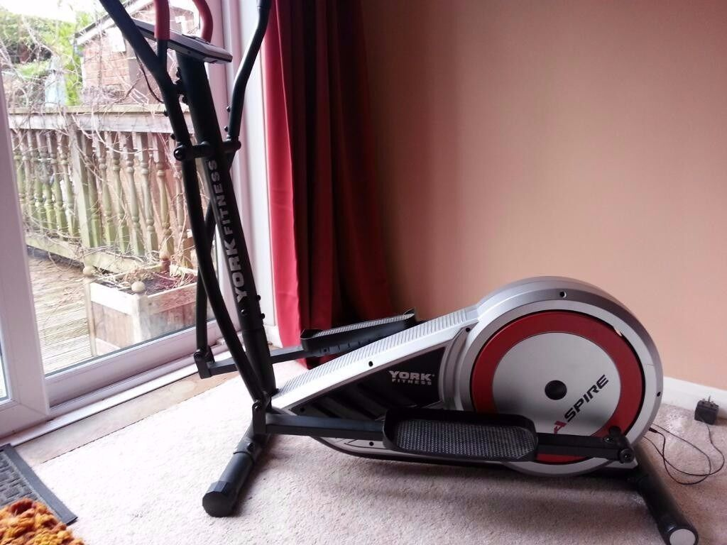 York Fitness Aspire Cross Trainer Model 52035 Excellent condition. See details yorkfitness website