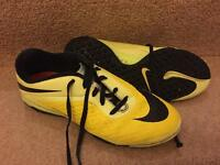 Nike Hypervenom trainers uk size 5