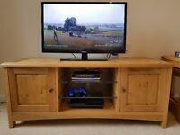 """Cotswold"" Oak Veneer Living Room Furniture Set – Coffee Table, TV Unit, Lamp Table & Nest Of Tables"