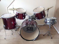 Drum kit used but nice condition with stool, symbols and 3 sets of drumsticks