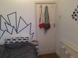Cosy Room in Kensal Green!