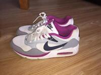 Unisex Nike Air Max size 5