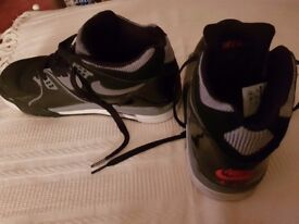 Men's Nike Air Flight Trainers size 8