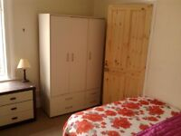 Large smart clean quiet double room in well appointed beautiful modern professional house. No fees