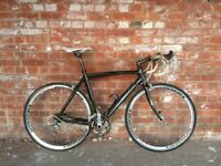 LIGHTWEIGHT FULL CARBON FIBRE ROAD BIKE CAMPAGNOLO IDEAL TRAINER DELIVEROO FAST COMMUTER BICYCLE