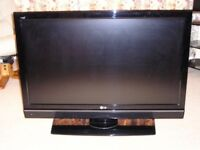 42 inch lg full hd 1080 lcd tv good working order with remote and FREE DELIVERY ONLY £119 NO OFFERS