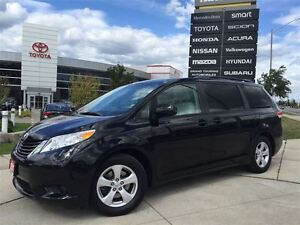 2013 Toyota Sienna LE*BACK UP CAMERA , POWER WINDOWS AND DOOR LO