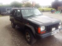 breaking black jeep cherokee 2.5 turbo diesel VM engine 4x4 parts spares half leather lights