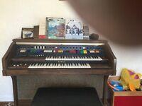 Kawai Electro Chord Bass 11 Organ and Stool