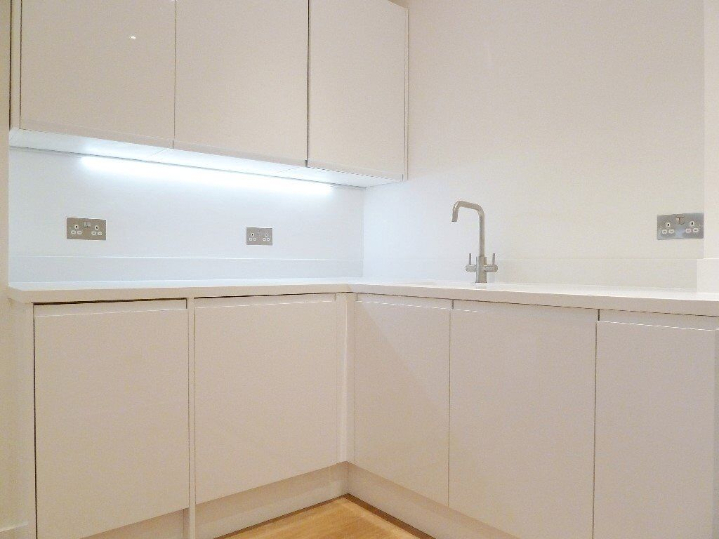 Spacious Bright 1 Bed Apartment Perfect For Couple Or Single Professional Close To Clapham Junction