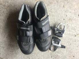 Shimano shoes (EU44) and pedals