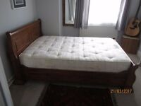 "Solid wood 4ft 6"" double sleigh bed"