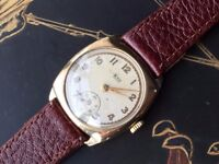 Vintage solid 9k 9ct 375 gold mens Avia cushion watch