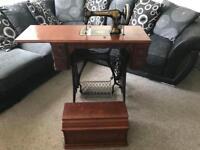 Vintage singer sewing machine 1886