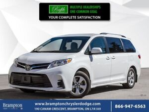 2018 Toyota Sienna LE   LOW KMS   8 SEATER  