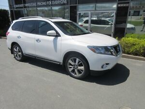 2013 Nissan Pathfinder RARE OPPORTUNITY TO SAVE! PLATINUM 4X4 WI