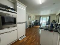 Lovely 2 bedroom (1-ensuite ) 2 bathroom with parking space close to station-available 6th June