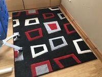 Modern design rug 167cm x 119cm (66'' x 47'') in good condition