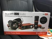 Scarlet 2i2 studio