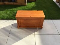 Small Pine Blanket Toy box
