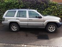 Jeep Grand Cherokee Automatic black leather interior very good condition