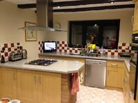 B&Q Oak Shaker Style Kitchen Door & Drawer Fronts & Handles Excellent Condition St Neots 100.00