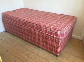 unique space saving single bed