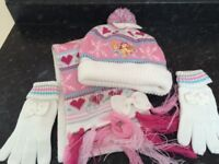 Disney Princess hat, scarf and gloves set (7-10 years) - NEW £5