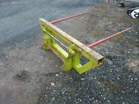 Tractor front loader bale spike with Chilton brackets