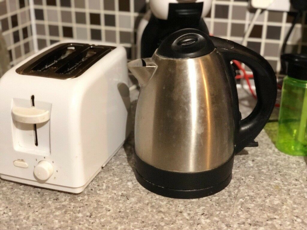 Toastee and electric kettle