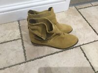 Ladies suede boots new size 7 by love label