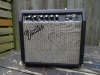 Great Fender Frontman 15G electric guitar amplifier
