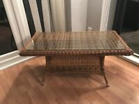 Ratten table with glass