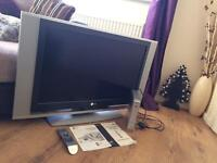 "LG LCD 32"" flat screen tv"