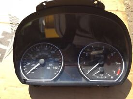 BMW 1 Series E87 E82 Speed Clocks Instrument Cluster 70 K 1024928-51