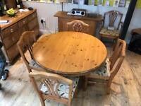 Pine Extendable Dining Table (4-6 seater)