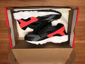 Nike Air Huarache Run Women's Trainers, Size UK 5.5 (Closer to size 4.5)