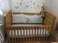 From newborn to toddler cot bed massive comes whit mattress MAMAS AND PAPAS ! £400rrp
